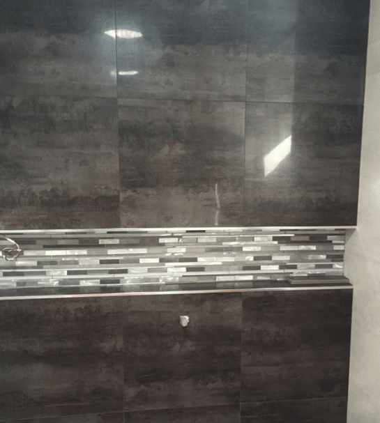 Glass tile wall accent in Valencia, CA from Dave Walter Flooring Kitchens and Baths