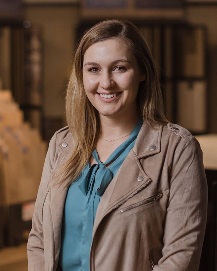 Residential Specialist in La Grange, IL - Tricia Thompson - Desitter Flooring