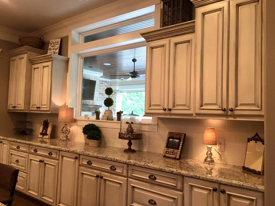 Classic kitchen cabinetry in Dayton, TX from Baytown Floors