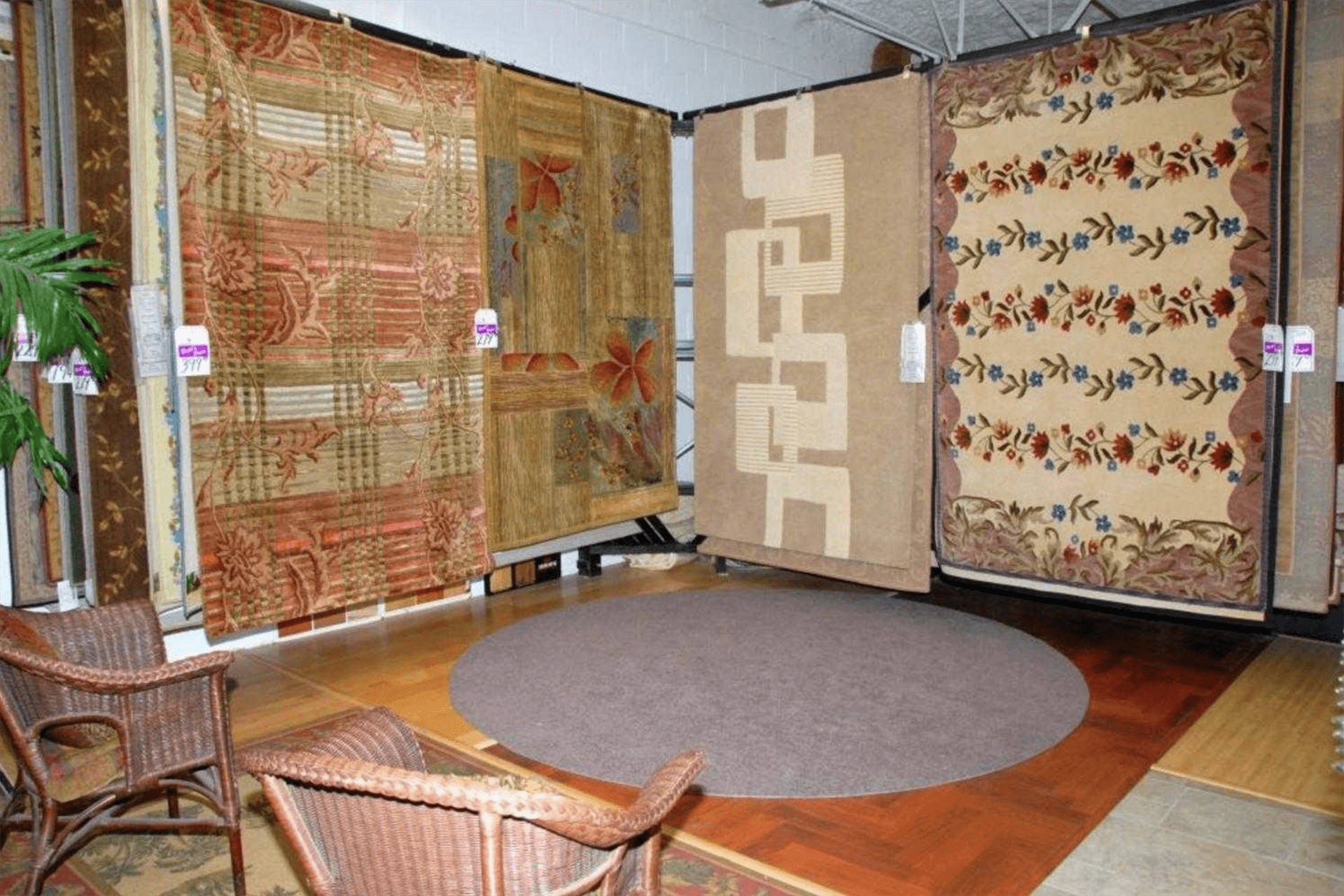 Britt's Carpet Outlet has many area carpets for your Punta Gorda, FL home