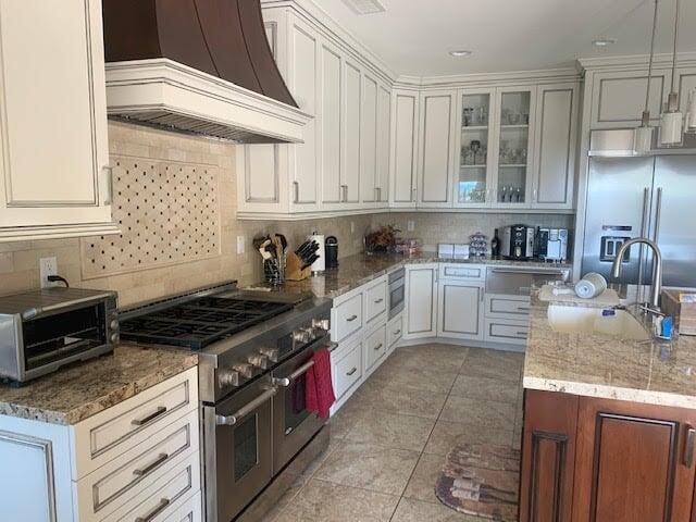Custom kitchen renovation in Santa Clarita, CA from Dave Walter Flooring Kitchens and Baths