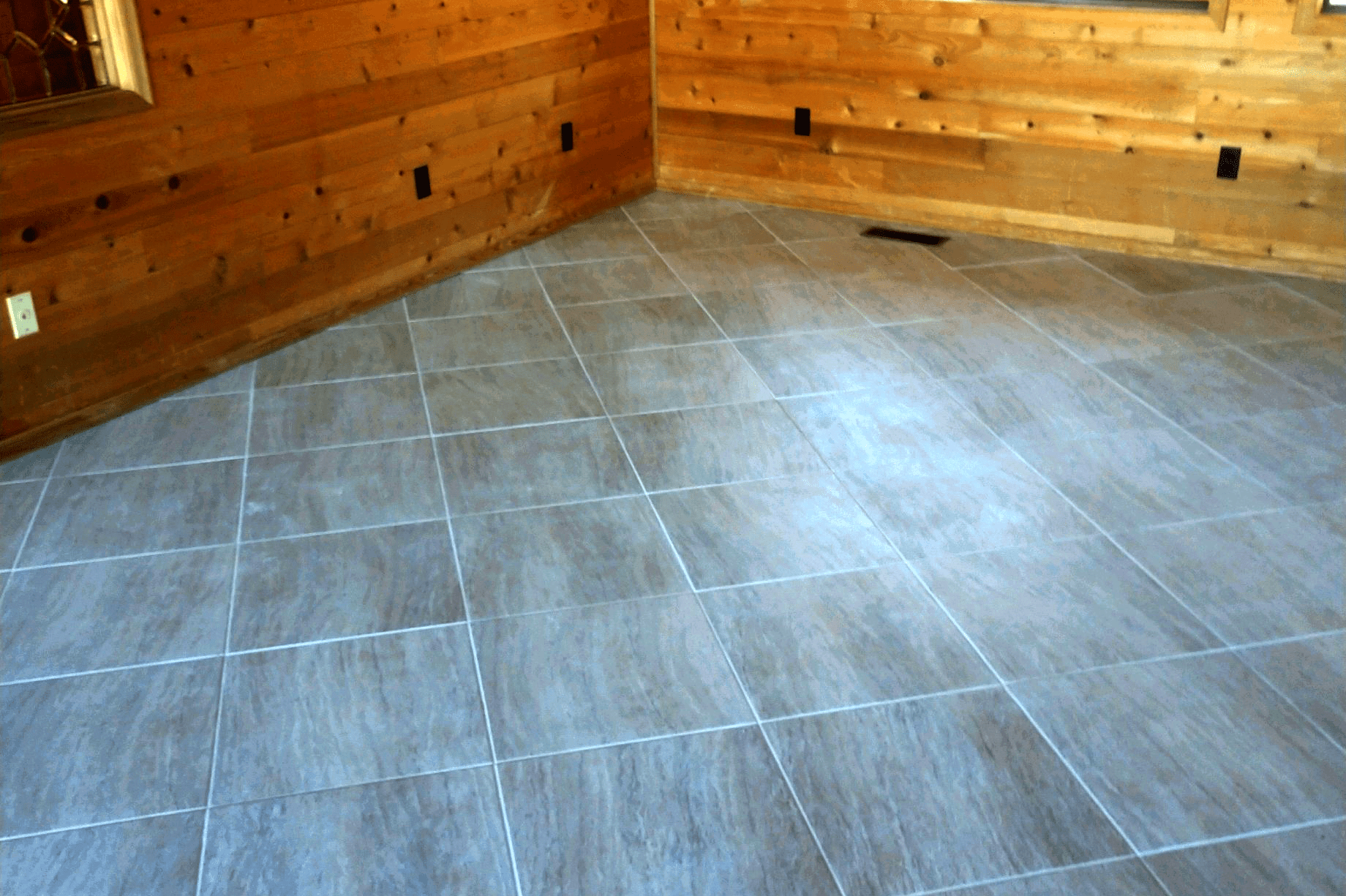 Light tone stone flooring in Dewey-Humboldt, AZ from Prescott Flooring Brokers