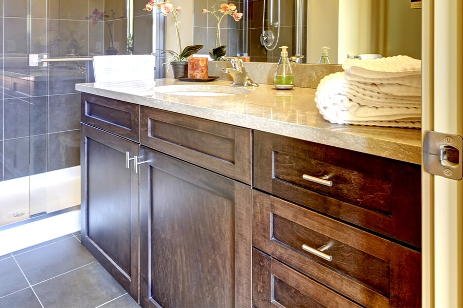 Modern cabinets in Sun Prairie, WI from Majestic Floors and More LLC