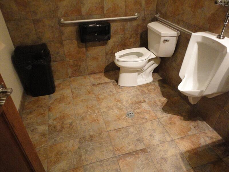 Choochs_Pizza_Tile_Bathrooms__2