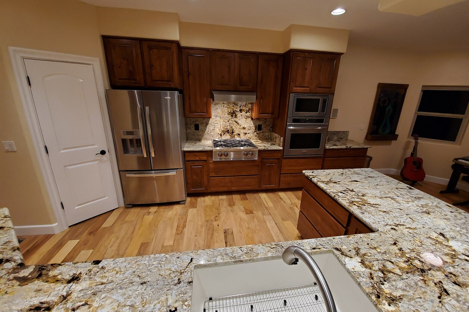 Gorgeous countertop and backsplash install in Chino Valley, AZ from Prescott Flooring Brokers