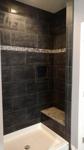bath tile in Hudson, OH from Carpet Country