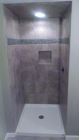 bathroom tile in Solon, OH from Carpet Country
