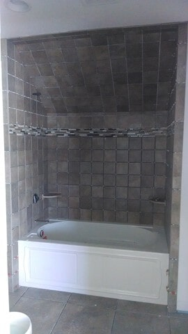 bathroom tile in Twinsburg, OH from Carpet Country
