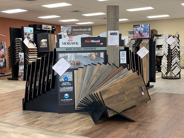 Floorscapes showroom in Harrisburg, IL
