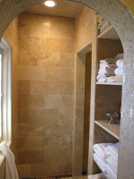bathroom tile fom Paint Plus Flooring in Lyon, KY