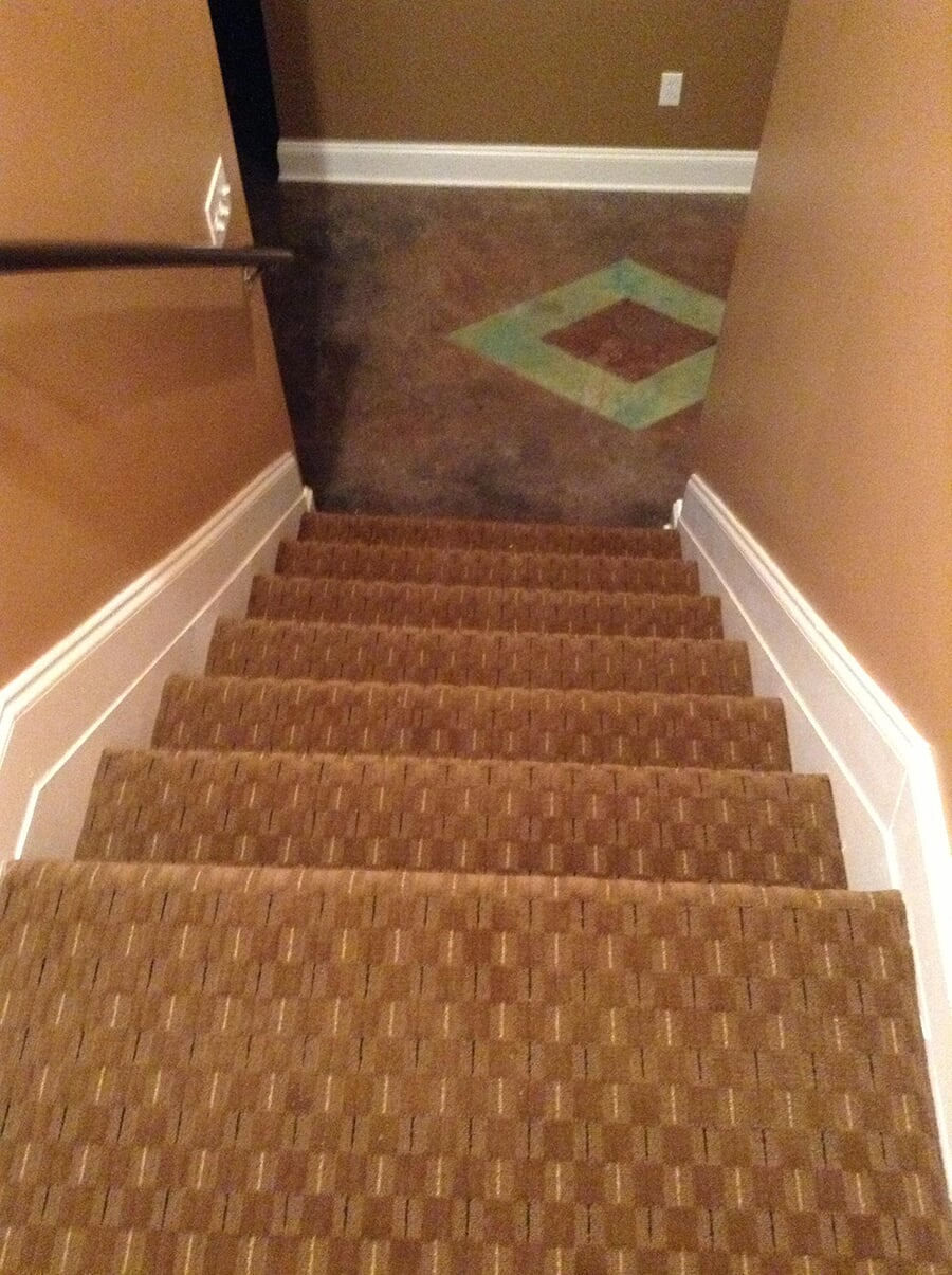 Carpet flooring stairway in Stone Mountain, GA professionally installed