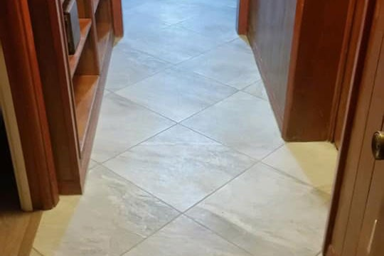 Natural white tile flooring in Inverness, FL from LePage Carpet & Tile