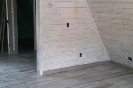 Custom flooring and wall installation in Inverness, FL from LePage Carpet & Tile