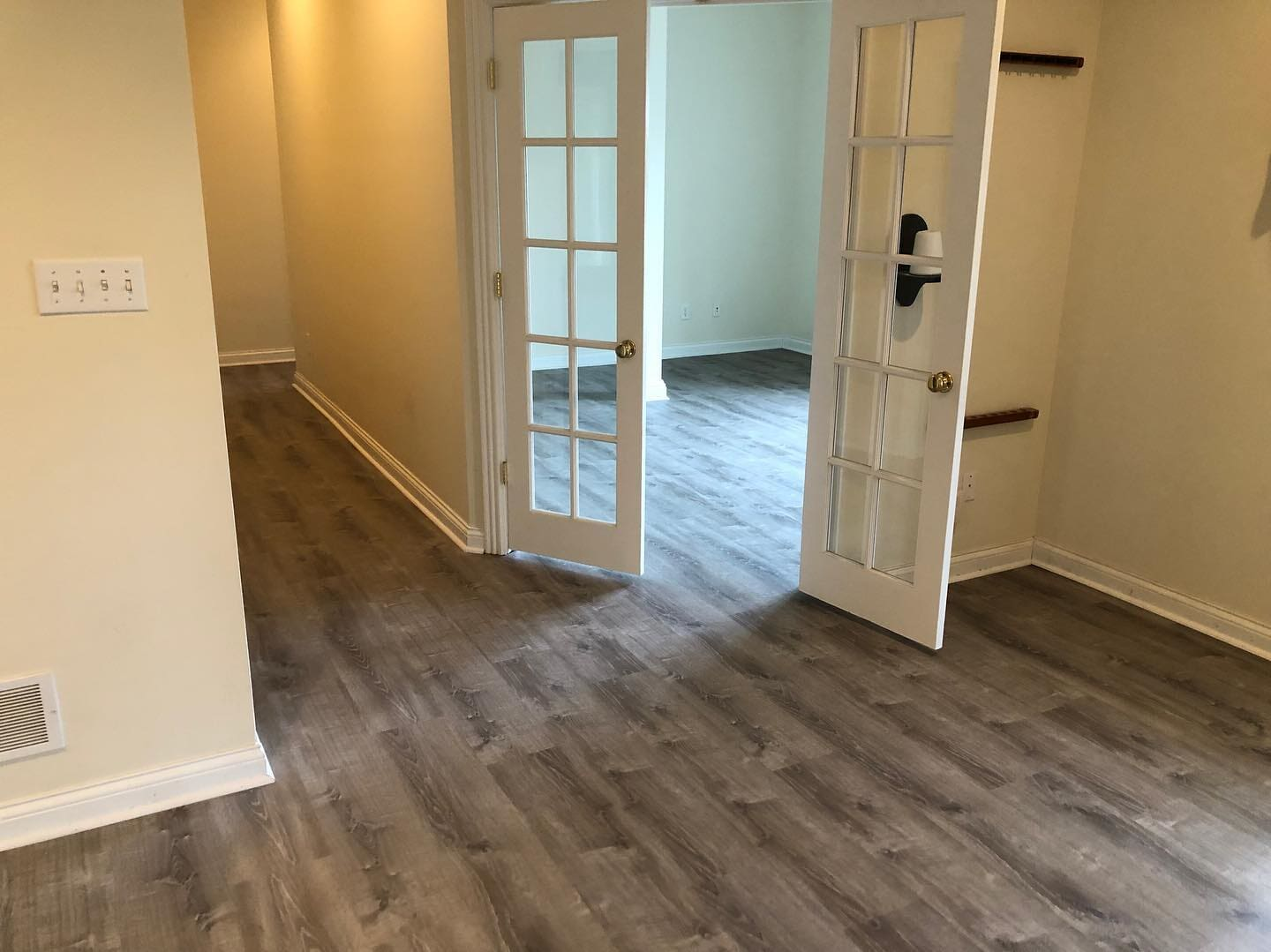 Gray tone wood look flooring in Jeffersonville, IN from Unique Flooring Solutions