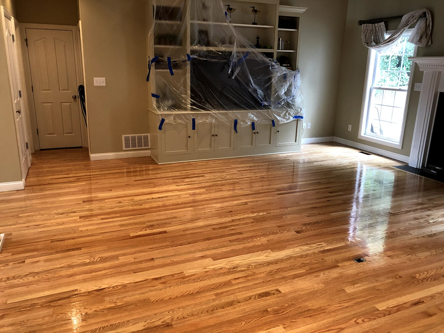 Glossy finished hardwood flooring in Crestwood, KY from Unique Flooring Solutions