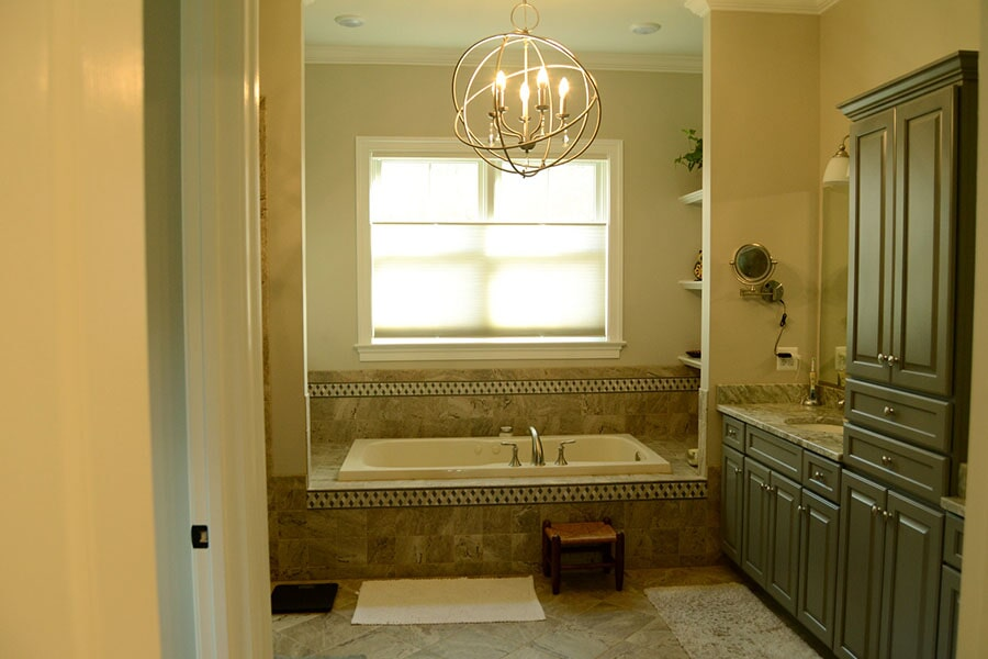 Tile bathroom and tub surround