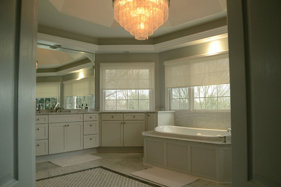Tile flooring with central accent