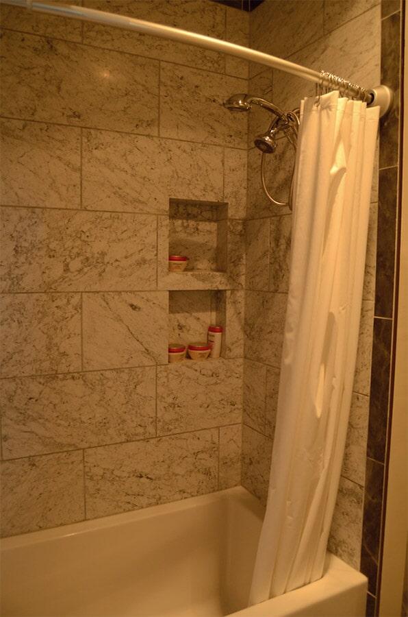 tile shower surround (3)