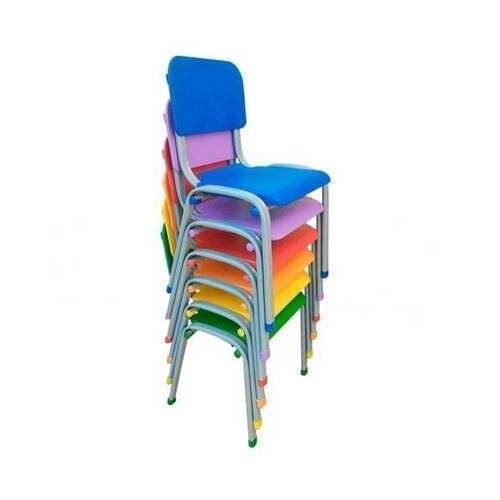 Cadeira Infantil Empilhável