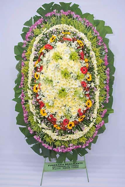 Arranjos de flores oferecidos pelo Grupo Bracalente
