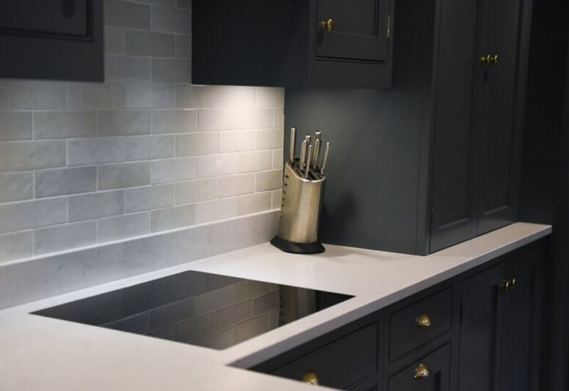White countertops in Redlands, CA from Simple Touch Interior Solutions