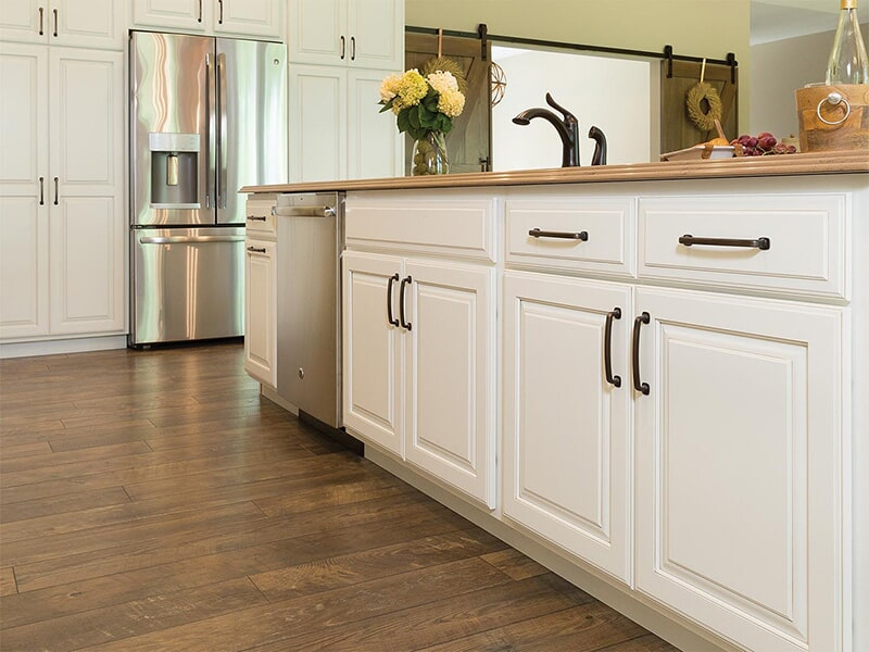 White Aspect Cabinetry at Ricks Park N Save, Inc. in Chillicothe, OH
