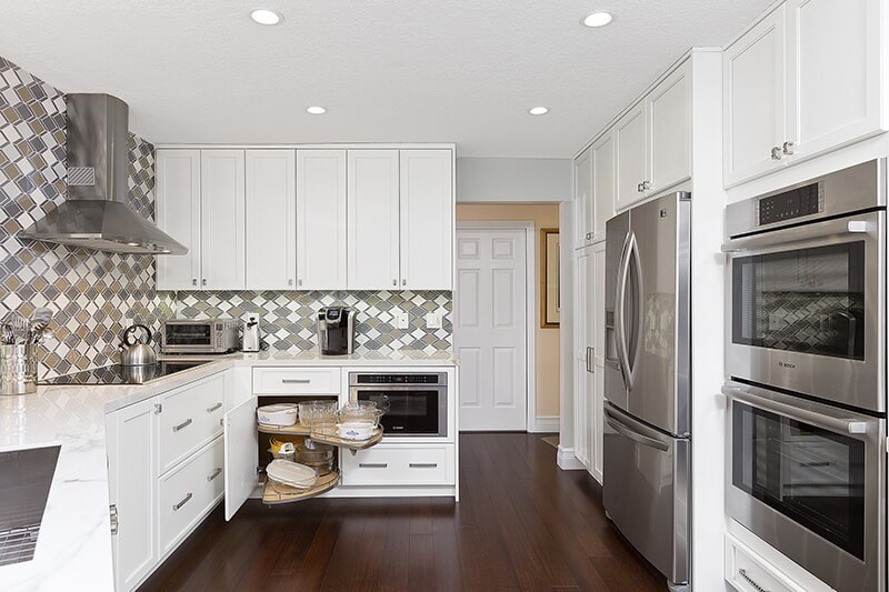 White Eclipse Cabinetry at Ricks Park N Save, Inc. in Chillicothe, OH