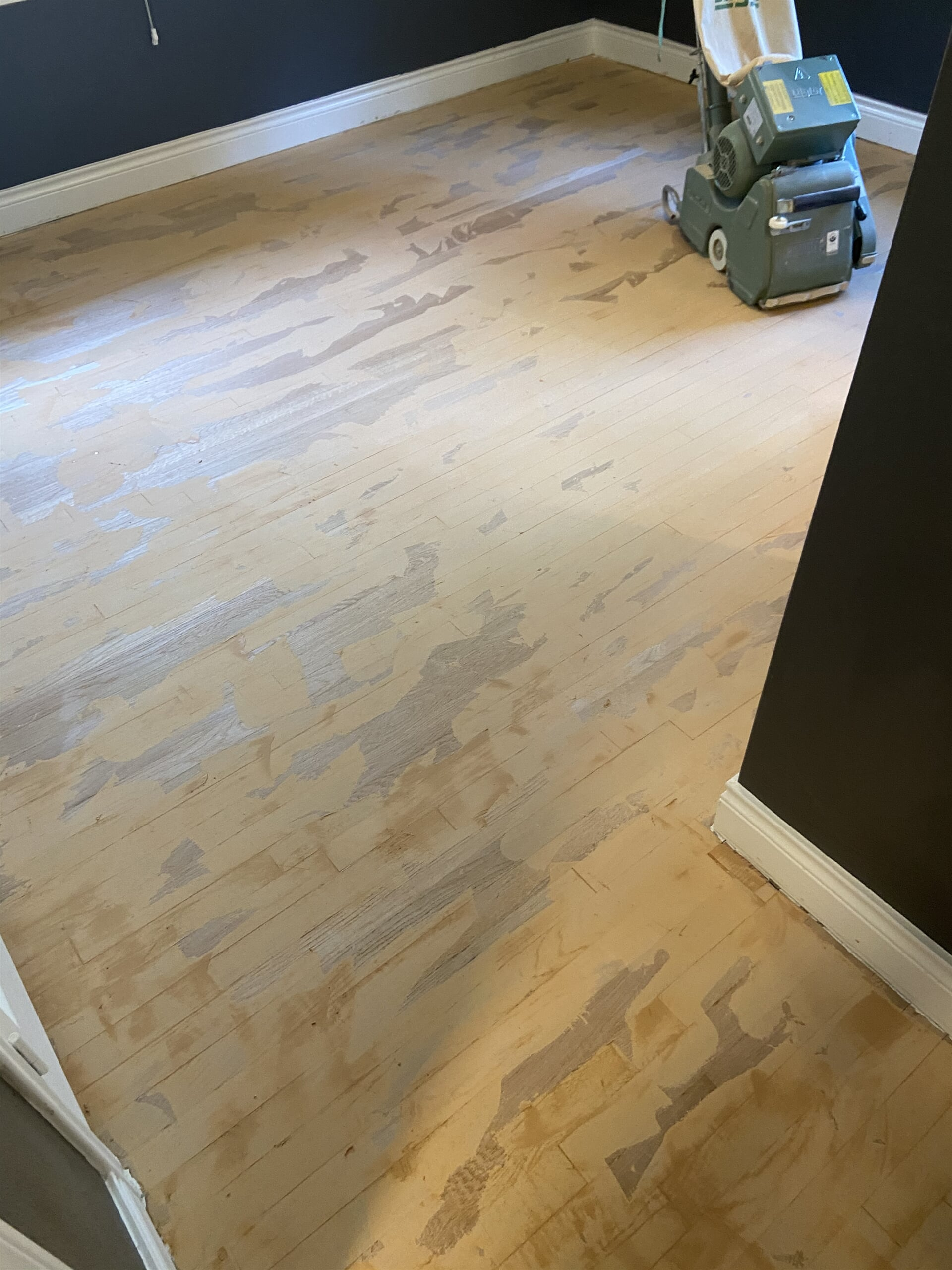 Hardwood refinishing from Houston Floor Installation Services in Spring, TX