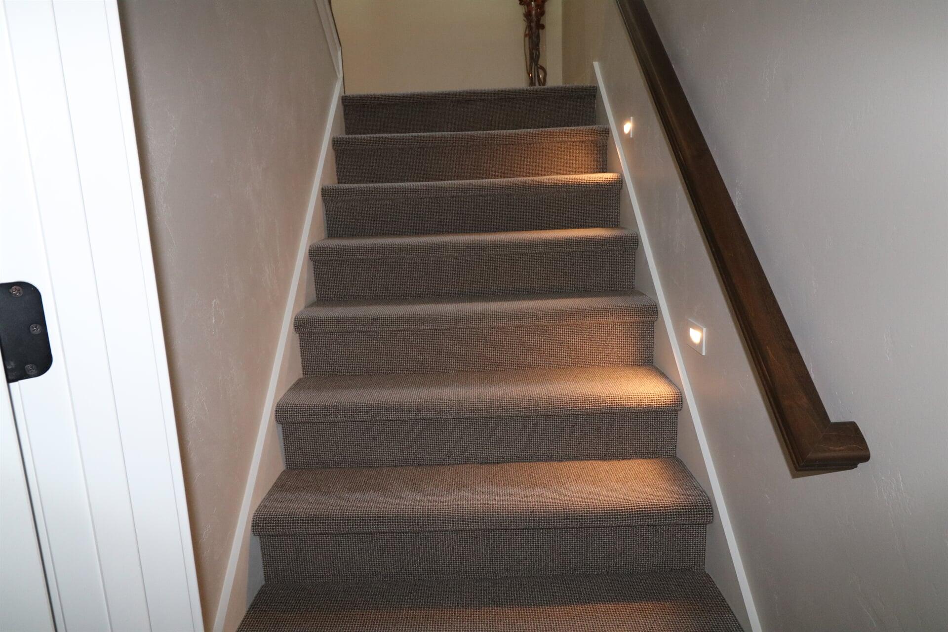 romeo carpet stairs