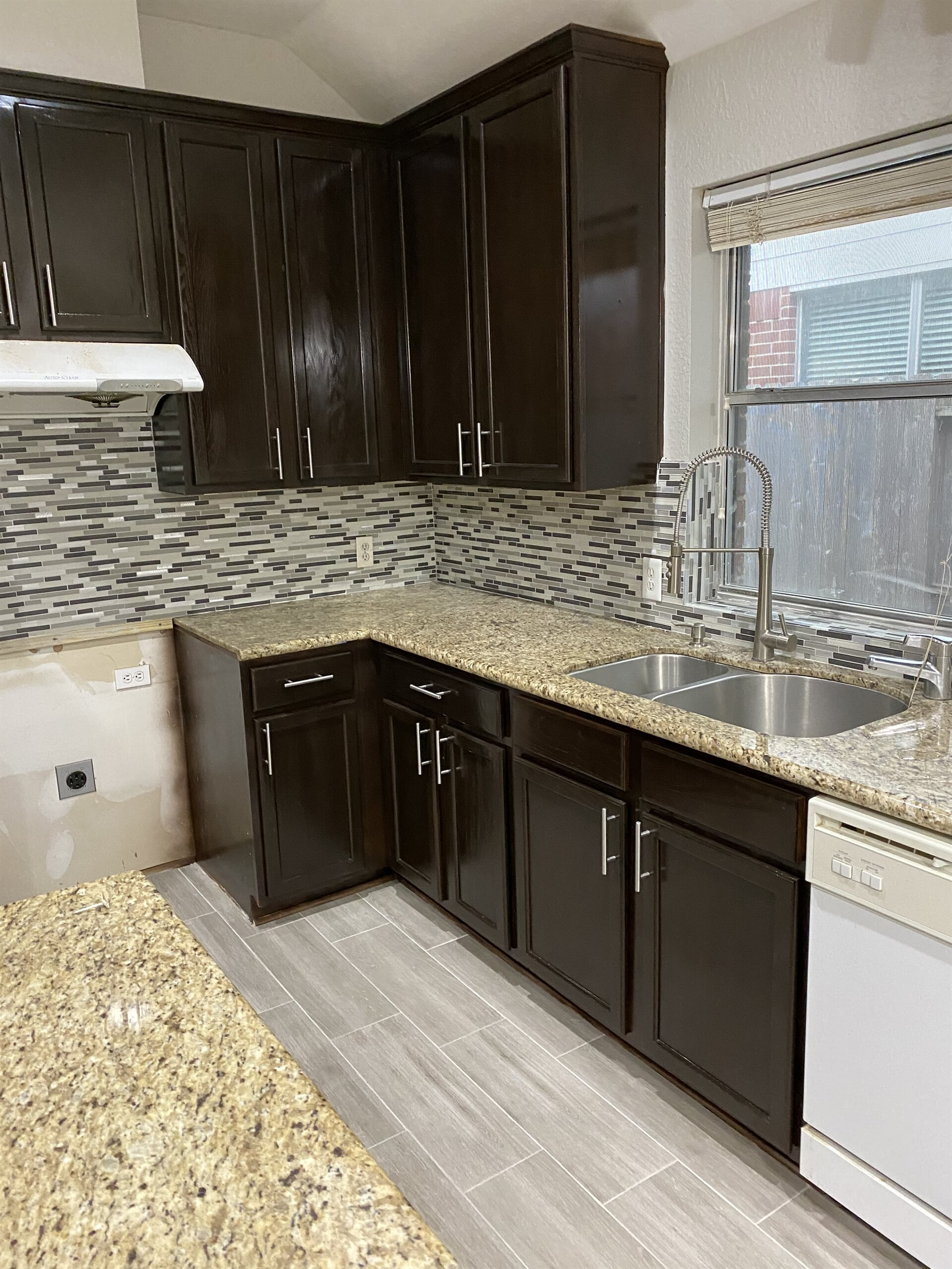 Kitchen cabinets from Houston Floor Installation Services in Conroe, TX