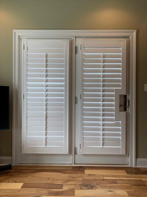 Custom door blinds in Gainesville, VA from Early's Flooring Specialists & More