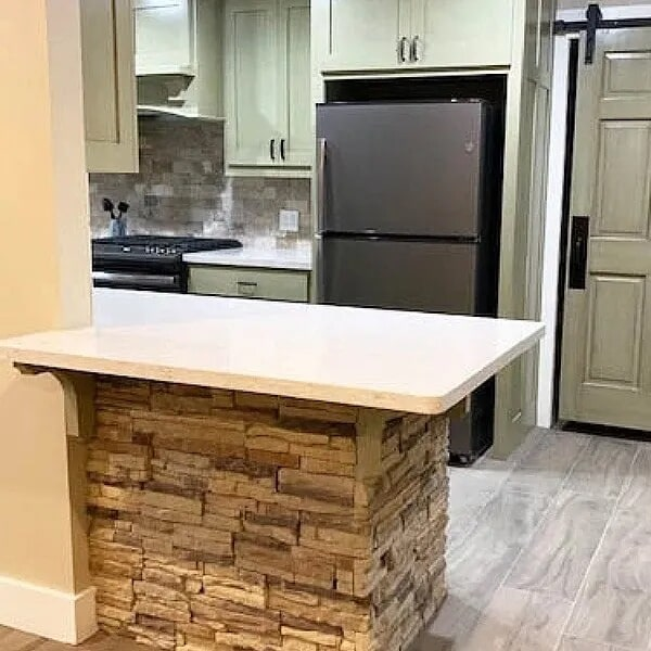 Kitchen peninsula in Orange, TX from Odile's Fine Flooring & Design