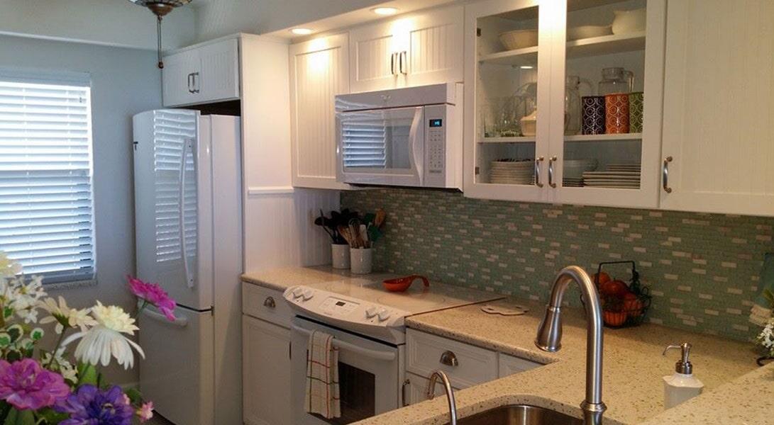 Tile backsplash from Agler Kitchen, Bath & Floors in Stuart, FL