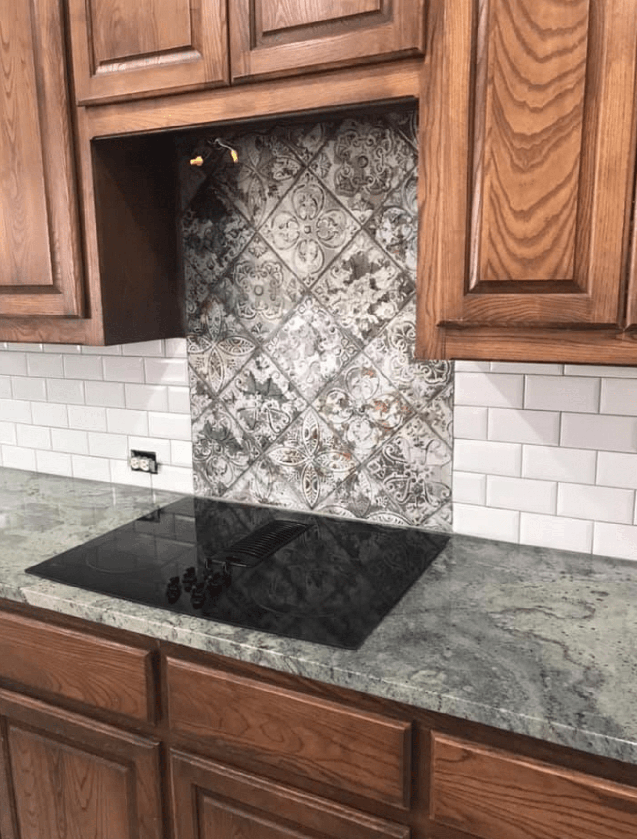 Tile backsplash from SJ FloorSolutions LLC in Carrollton, TX