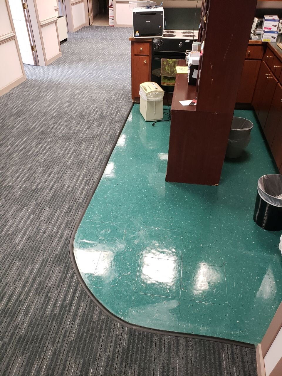 Commercial vinyl flooring in Gallatin, TN from Absolute Flooring Inc
