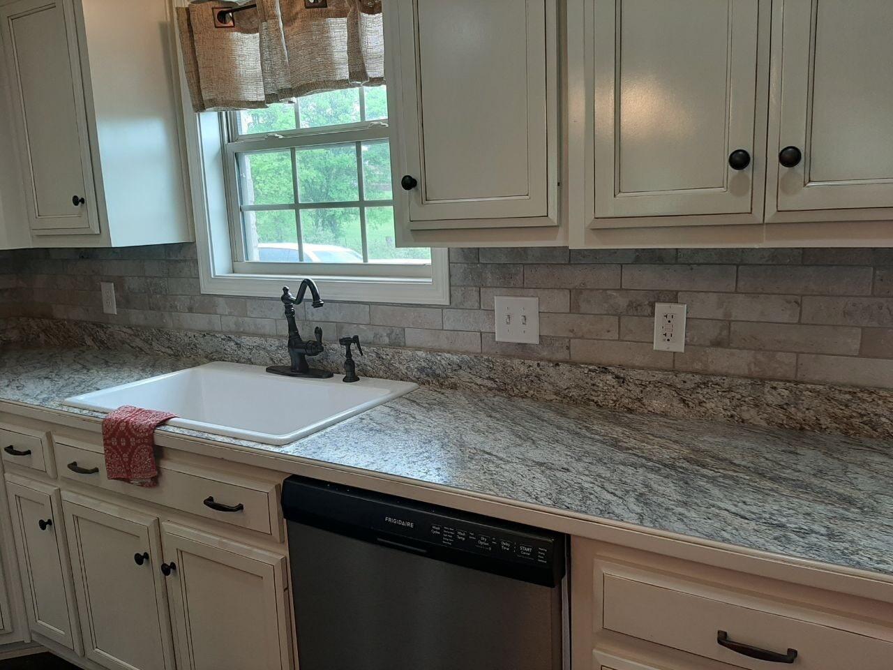Custom tile backsplash in Nashville, TN from Absolute Flooring Inc