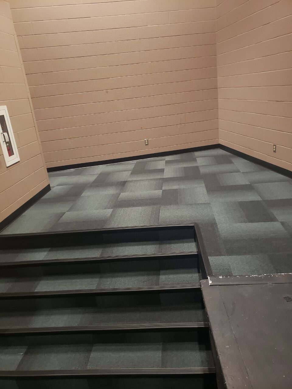 Commercial carpet tiles in Mt. Juliet, TN from Absolute Flooring Inc