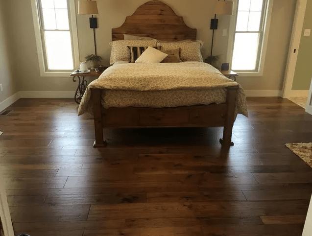 Luxury vinyl flooring from LAACK FLOORING INNOVATIONS in Salem, IL