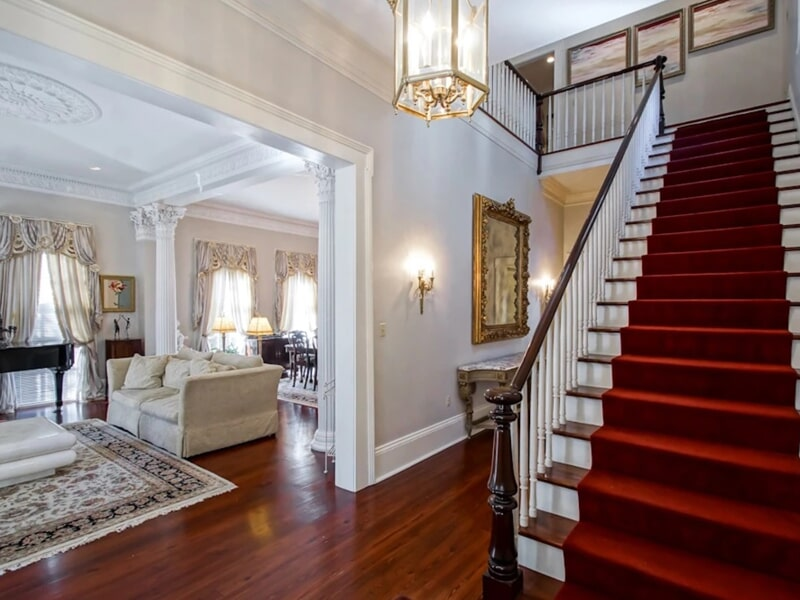 Beautiful entryway flooring installation in Metairie, LA from Ron-Del Flooring Services Inc.