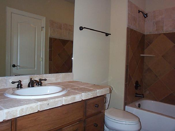 607_Bath_2_Tub_Vanity