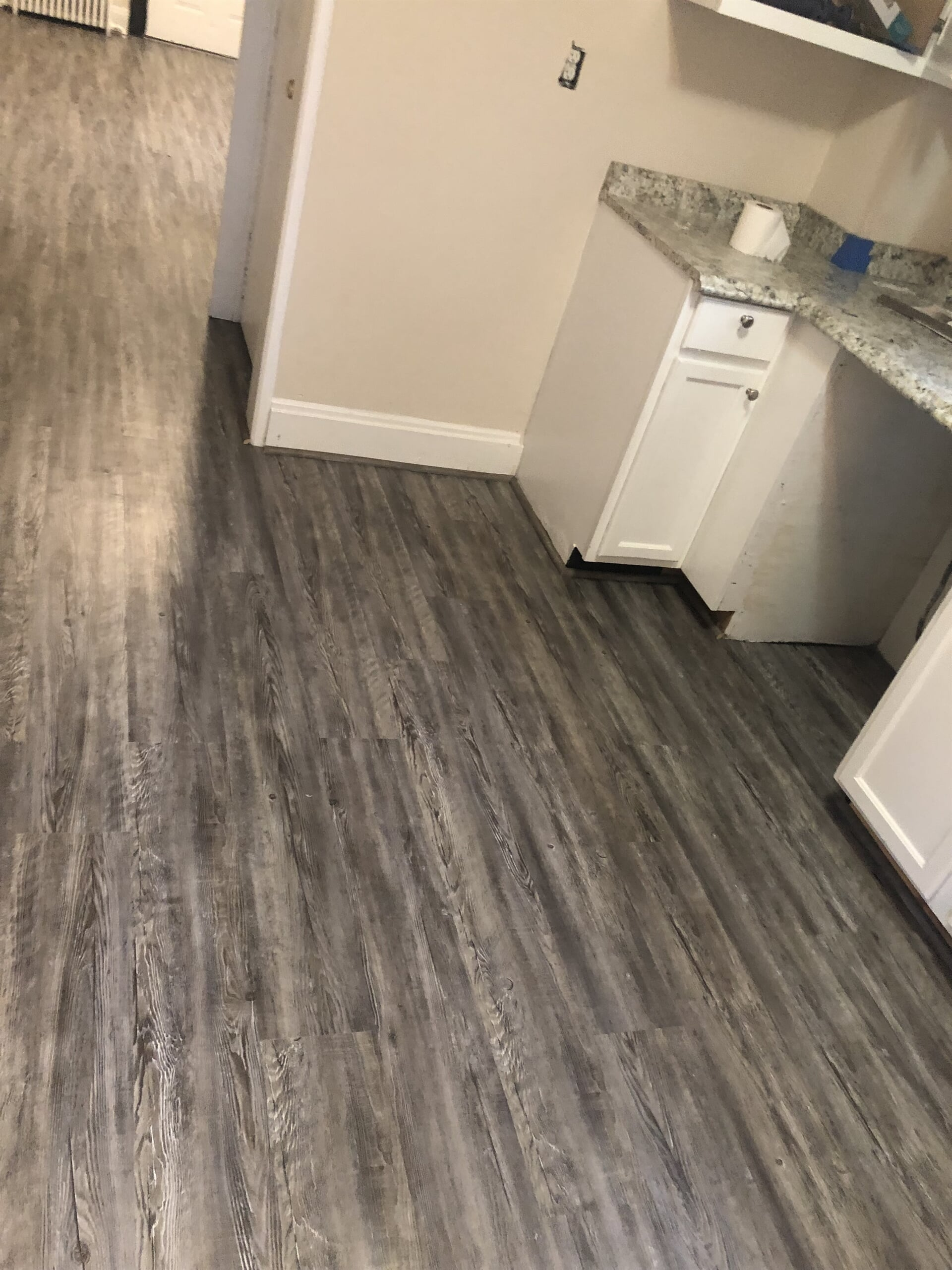 Wood look kitchen flooring in Howard County, MD from Andonian's Carpet Warehouse