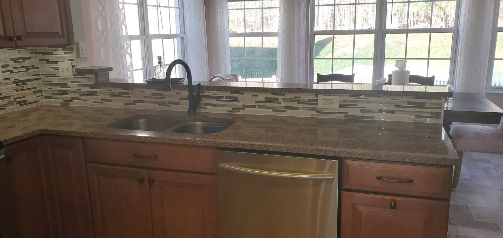 New tile backsplash in Montgomery County, MD from Andonian's Carpet Warehouse