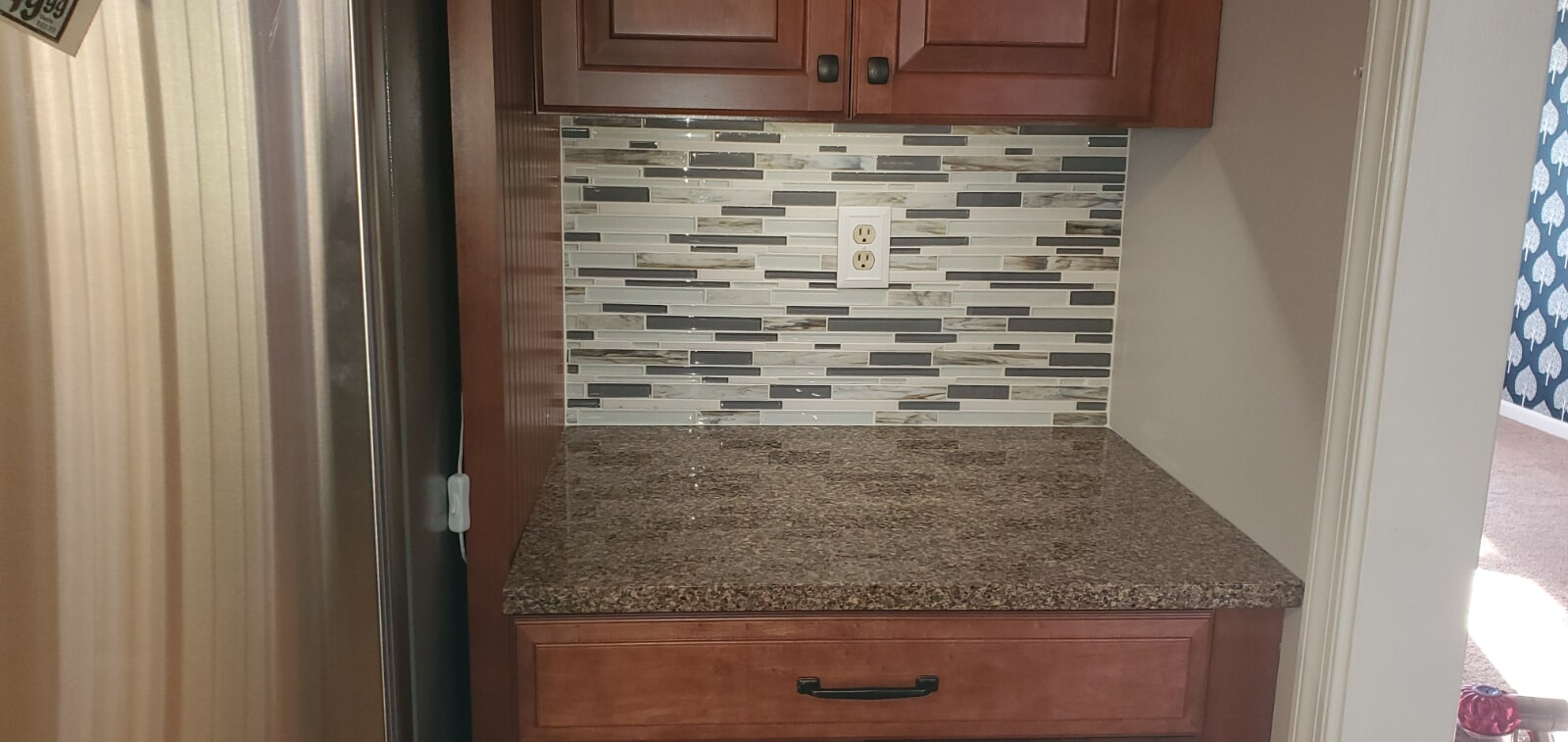 Glass tile backsplash in Montgomery County, MD from Andonian's Carpet Warehouse