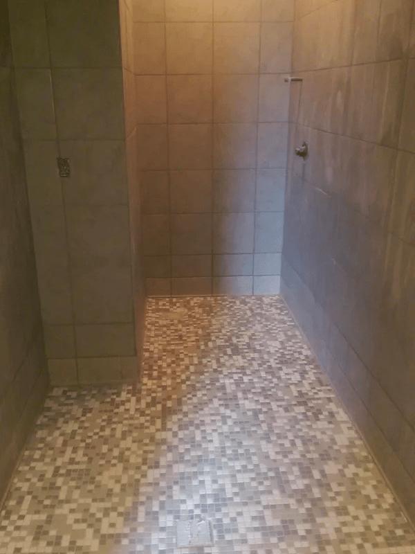 Custom tile shower in St. Cloud, FL from The Carpet and Tile Center Inc.