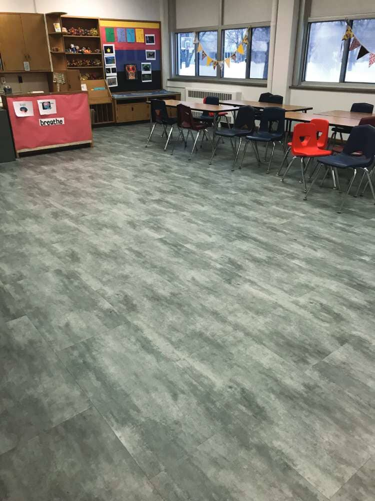 Commercial vinyl installation in Iowa from Hiller Stores
