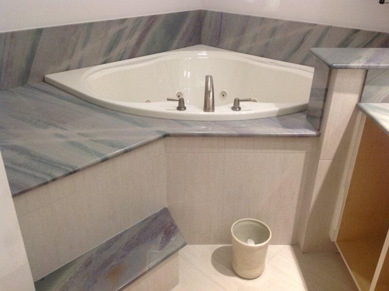 Bathroom tubs in Bonita Springs, FL from Classic Floors & Countertops