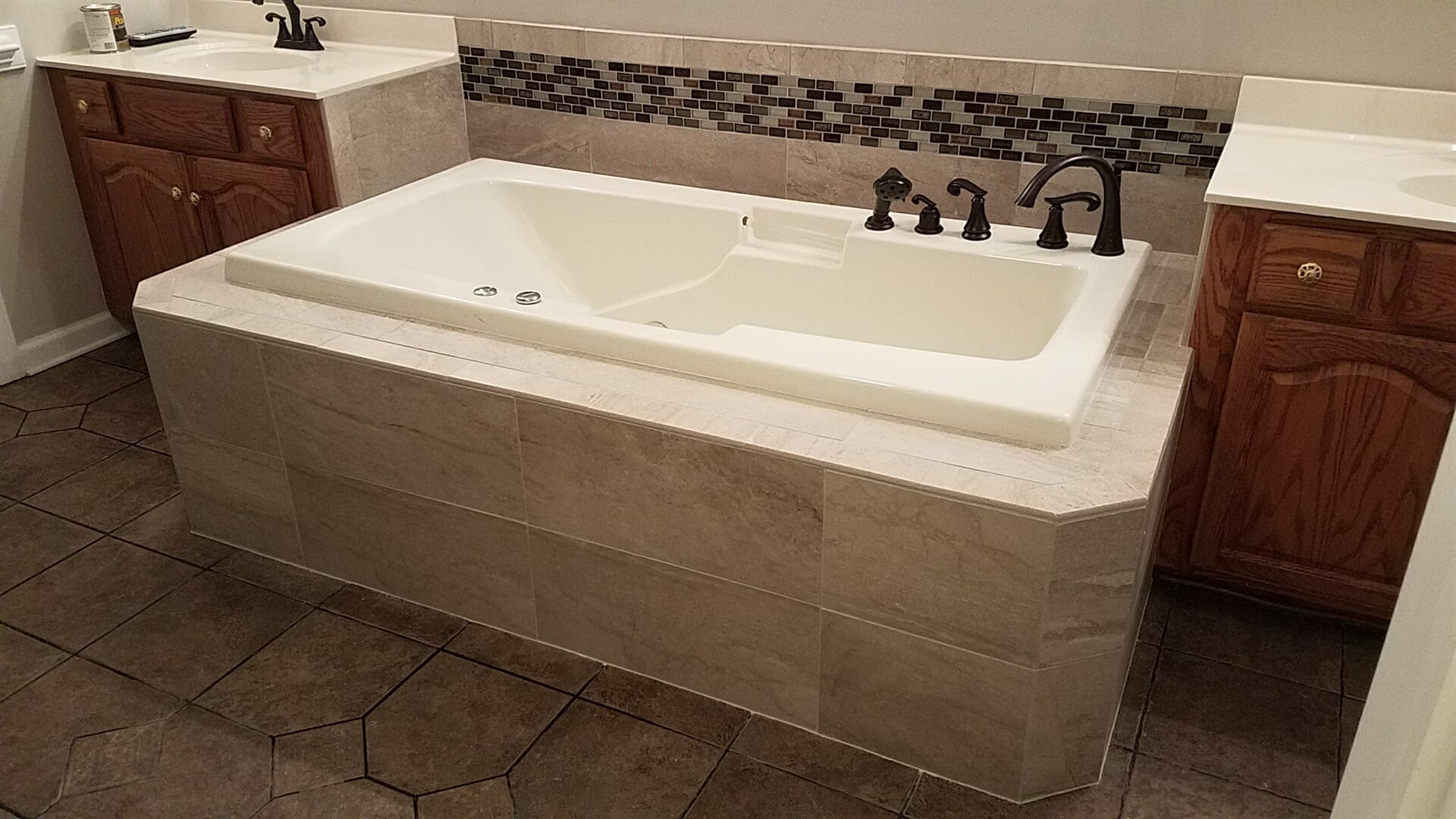 Tile tub surround in Statesville, NC from McLean Floorcoverings