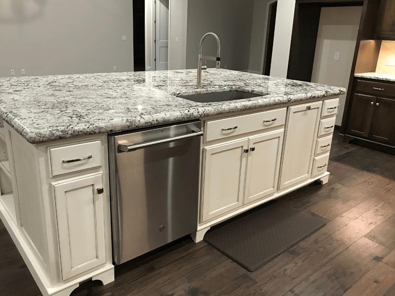 White granite countertops in Leawood, MO from Joplin Floor Designs