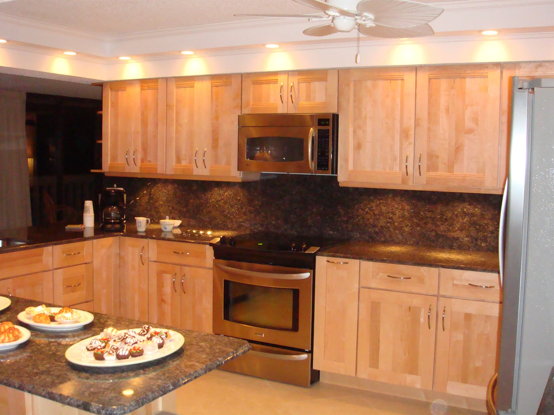Modern countertops in Fort Pierce, FL from Agler Kitchen, Bath & Floors