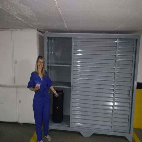 Armário de aço para garagem.